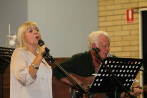 Jo and Ron sing for the crowds