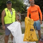 Ron Organ and Anton Klekar from the Surf Club helped lifesavers and members clear up the beach
