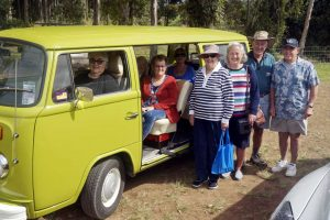 The first group arrives in style ready to start picking: Helen Hill, Val Duignan, Lil Kahl, Helen Brown, Ray Kahl, Phil Heron