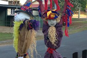 scarecrow-traditional