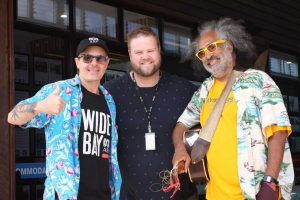 Brad Marsellos and Ross Kay from ABC Radio Wide Bay took time to interview locals and international vocalist from the Festival of Small Halls, Vance Gilbert
