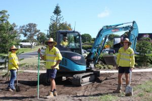 Council crews are hard at work in sweltering conditions beautifying our streets