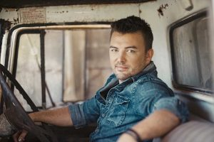 Travis Collins is headlining Country at the Beach