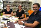 Rochelle Bull gets tech savvy with Christine Haafkens and Bob Rosewarne at the Rainbow Beach Library