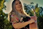 Jessamy Fox will be performing at the Bare-Foot Bowls at the Tin Can Bay Country Club