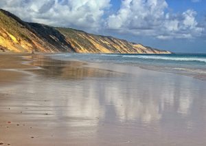 Beach Driving beside the Coloured Sands, Rainbow Beach: Photo Julie Hartwig