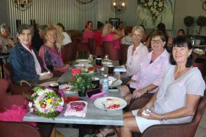 Enjoying Cooloola Berries and raising funds for the Cancer Council were Michelle Watson, Carole Lehmann, Cherie Mason, Therese Young and Kate White