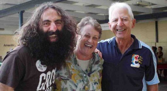 Tin Can Bay Fishing Club members, Debbie and Jim George, bring their nephew Costa Georgiadis, the dynamic host of ABC Gardening Australia back to Tin Can Bay for a must-see event
